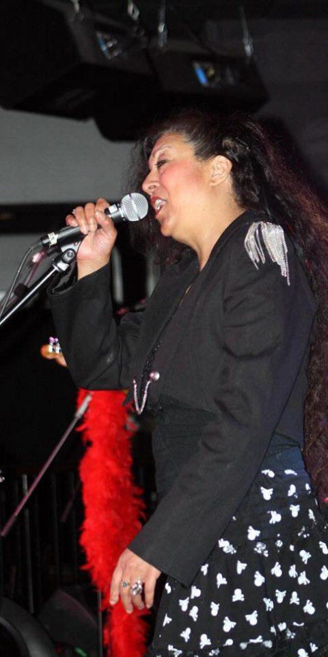 04-AngelaMackenzie-Musician