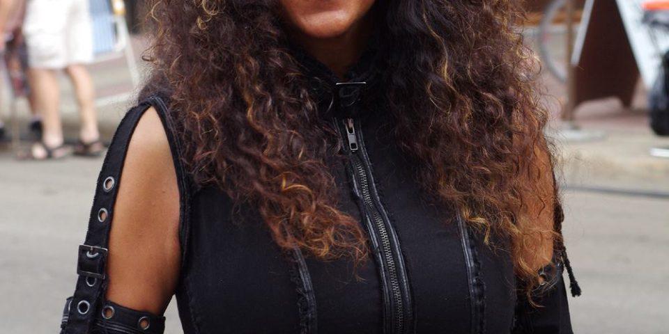 15-AngelaMackenzie-Musician